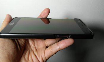 Smartphone ber-layar Gorilla Glass, apakah masih butuh screen protector?
